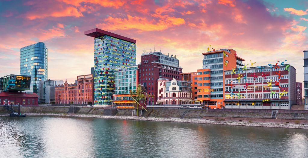 Das Rheinufer in Düsseldorf Cityfreizeit