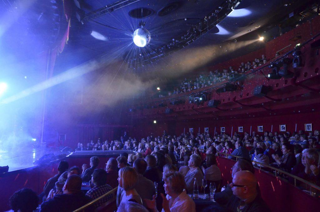 Große Unterhaltung in Düsseldorf durch die Theater
