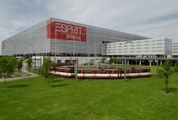 ESPRIT_arena_in_Duesseldorf-Stockum,_von_Sueden