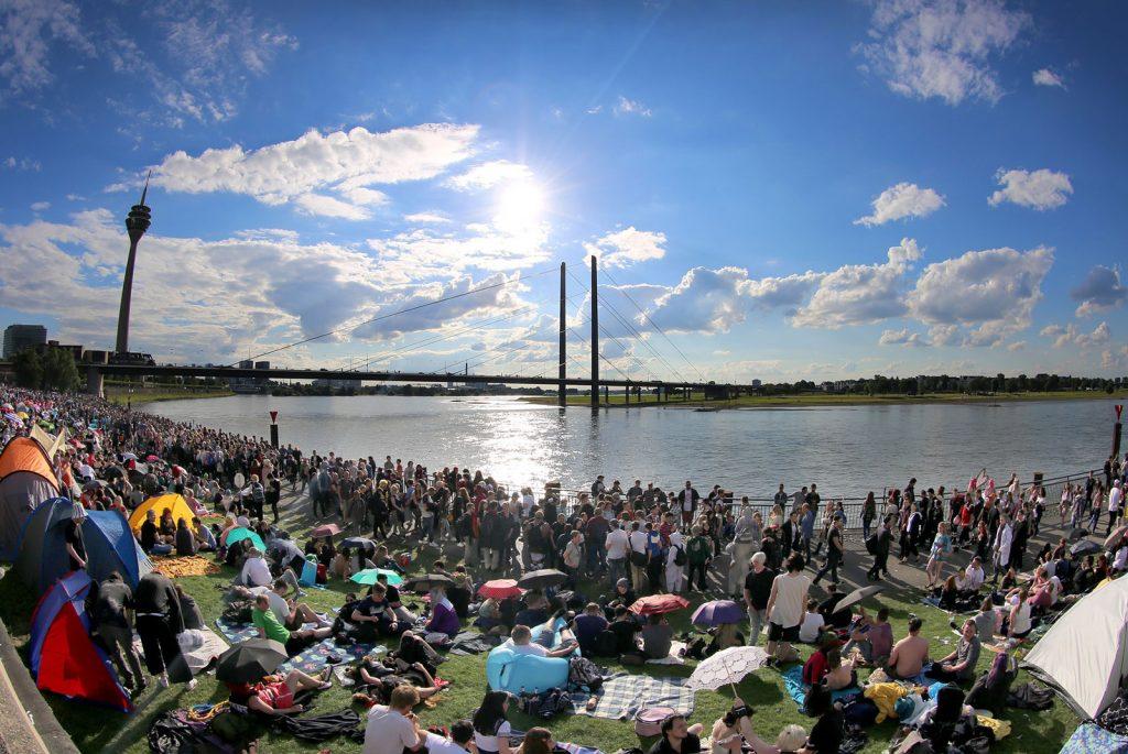 der japan Tag am Rheinufer in Düsseldorf Cityfreizeit